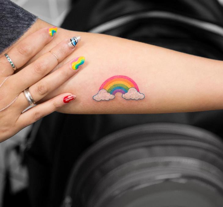 татуировка радуга