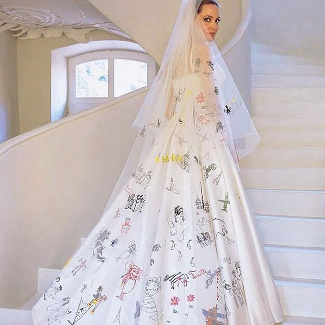 Анджелина Джоли свадебное платье