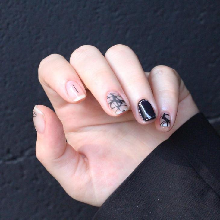 черный маникюр на короткие ногти 2