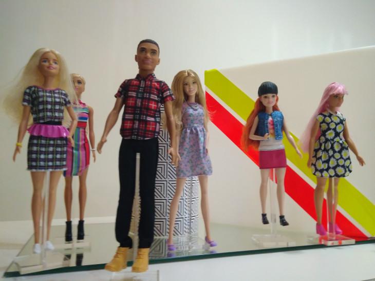 Одежда для кукол Барби 2017