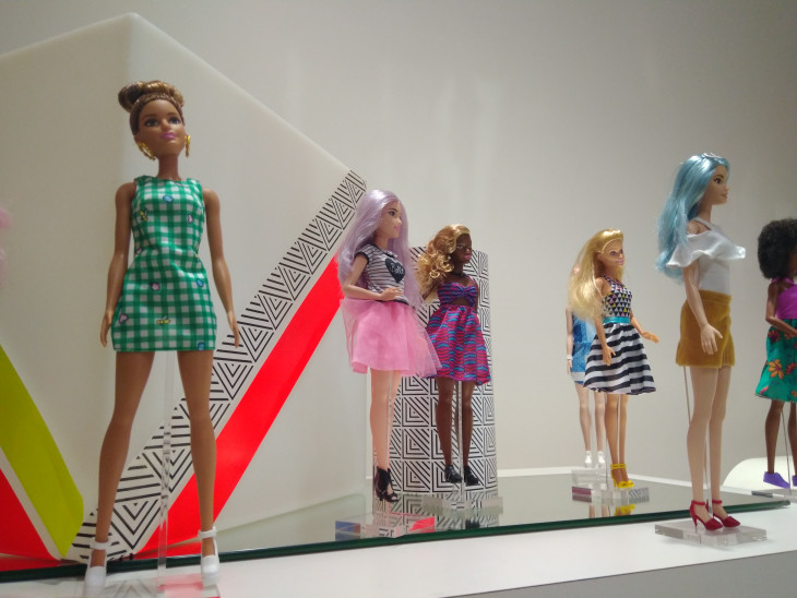 Наряды для куклы Барби от французских дизайнеров
