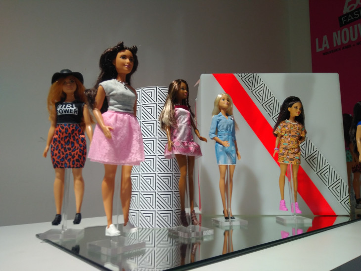 Кукла барби с разными цветом кожи Barbie Fashionistas