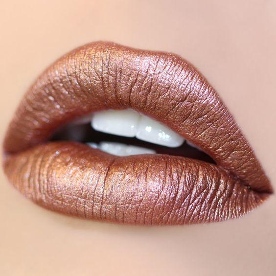 металлические губы