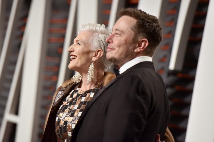 """Правила жизни Мэй Маск: """"Женщины должны править миром!»"""
