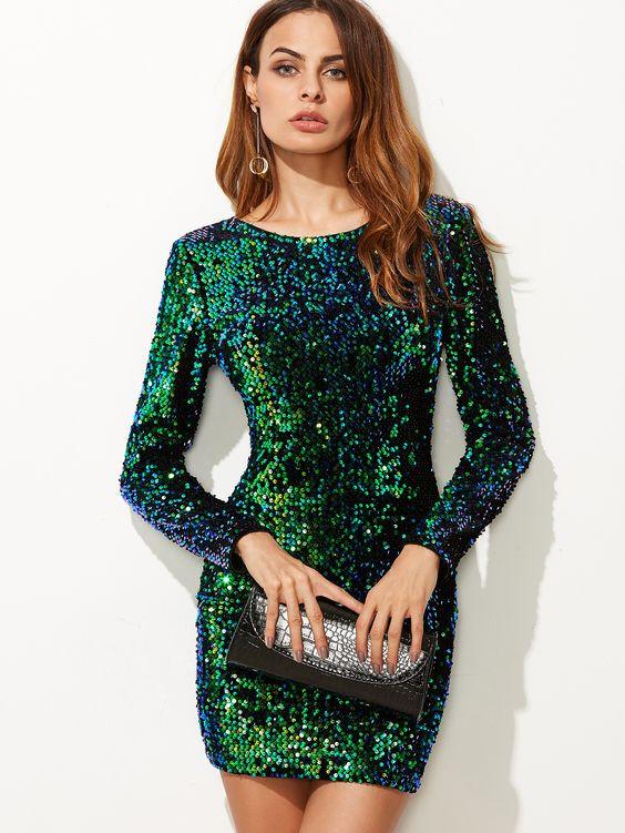 Зеленое платье на Новый год