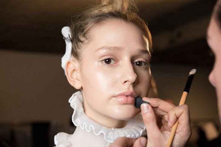 как правильно наносить макияж зимой