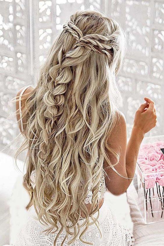 прическа на день святого валентина косы