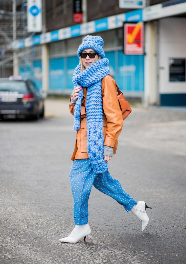 мода весна 2018 шарфы
