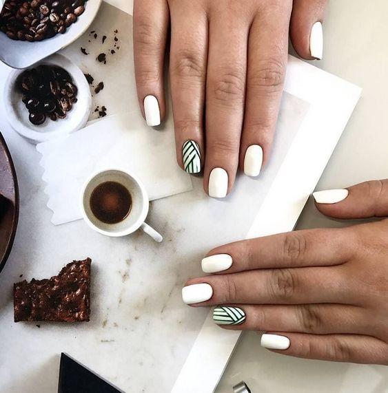 0182c4bca29ccbae0306fae7fa675caf Красивый маникюр на короткие ногти 2019-2020: фото идеи маникюра на короткие ногти