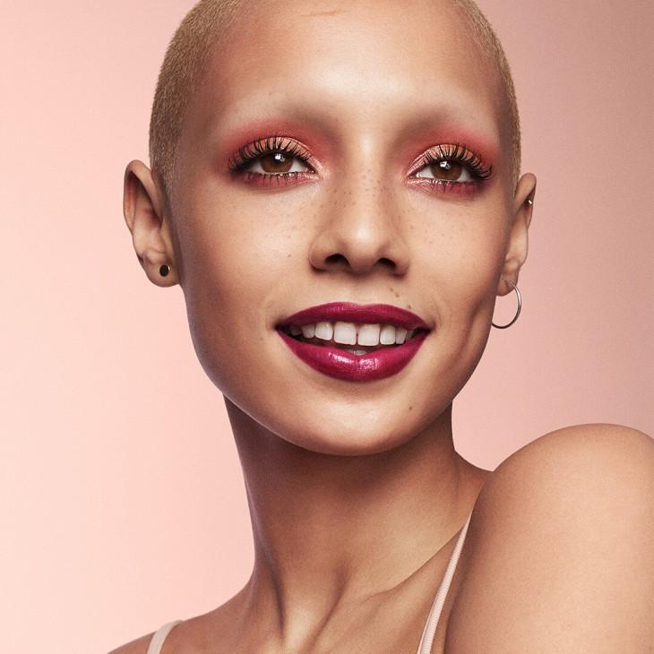 монохромный макияж тренд