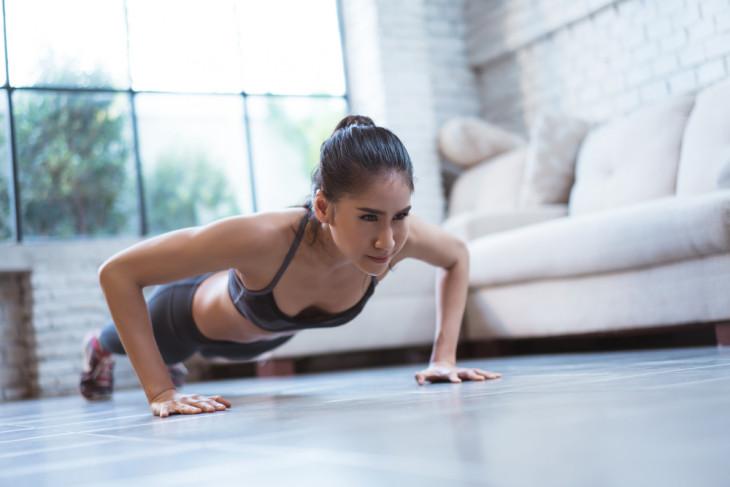 зарядка для похудения дома