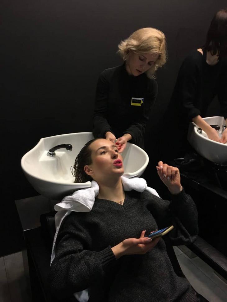 Личный опыт: я попробовала ритуал, который оживил мои волосы