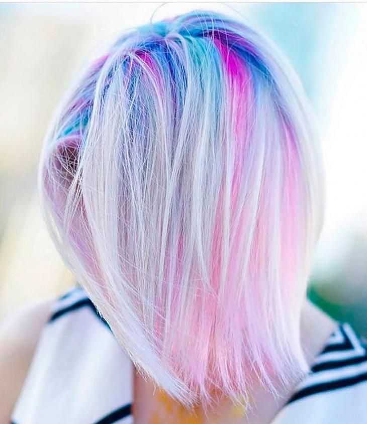 покраска волос цветные корни