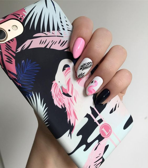 маникюр с фламинго фото