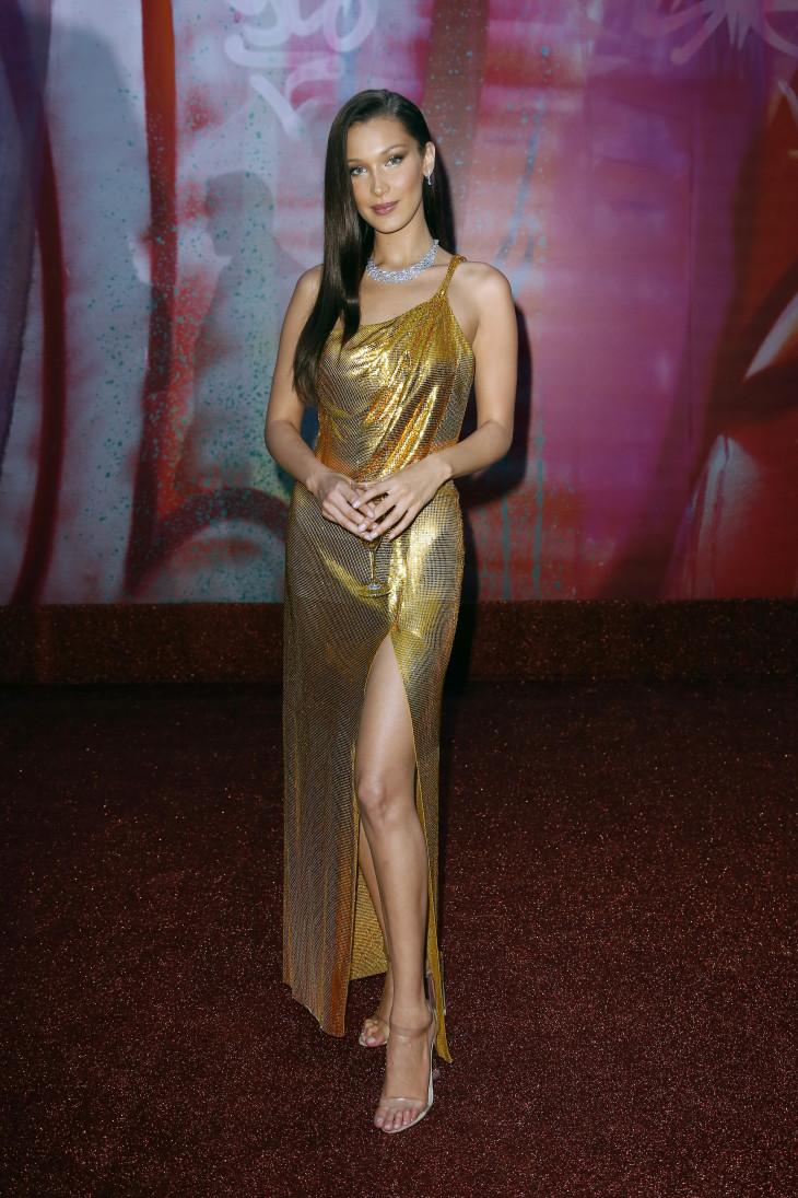 Белла Хадид в Versace