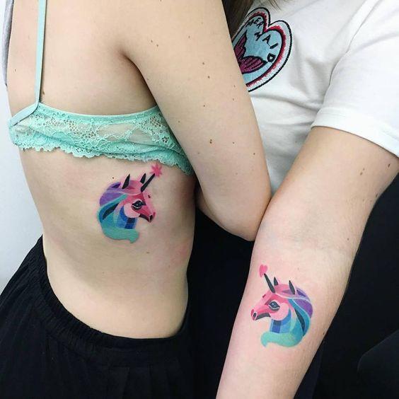татуировки женские акварелью