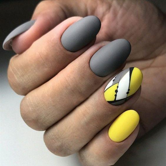 Маникюр желтый с черным и срым