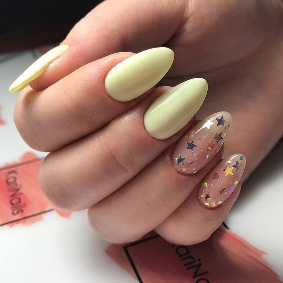 Лимонный желтыйманикюр