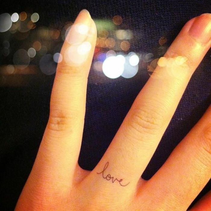 женские татуировки фото с надписью