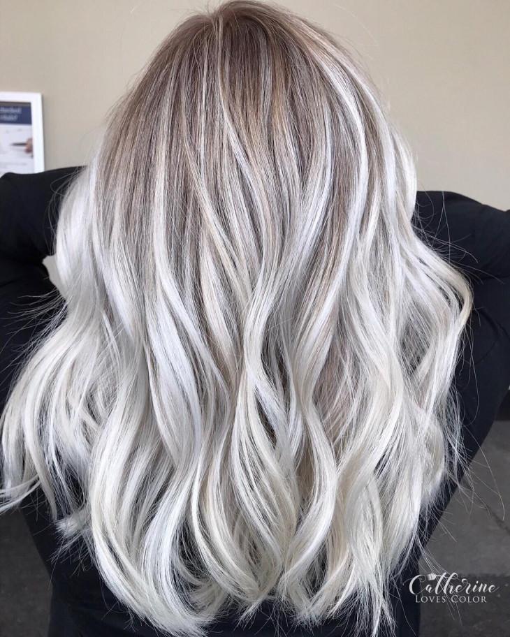 Жемчужный блонд на светло-русых волосах