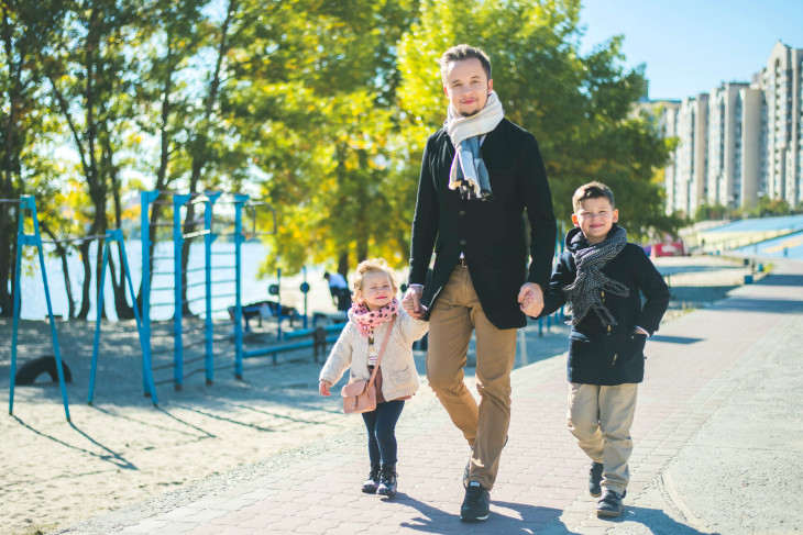 Артем Гагарин с семьей
