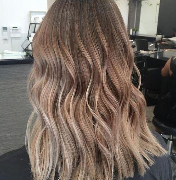 модный цвет волос на осень 2018 кофе с молоком