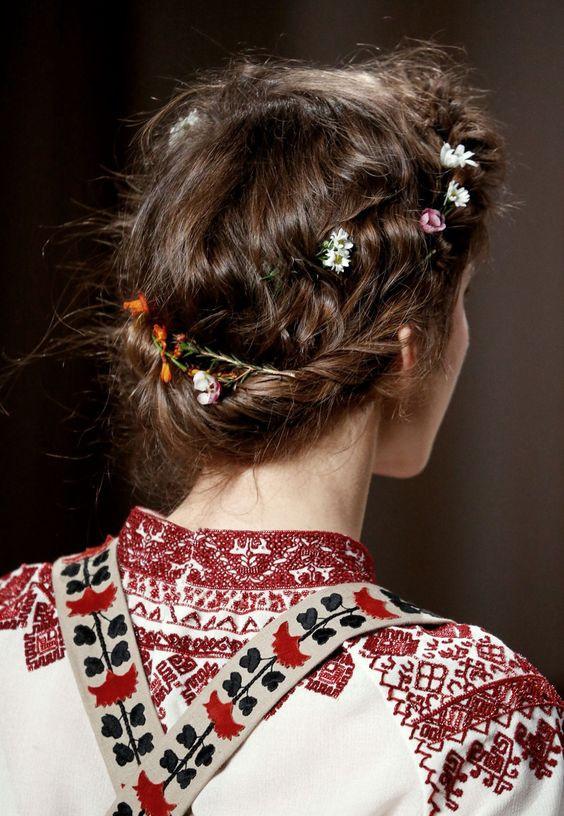 косы на свадьбу на среднюю длину волос