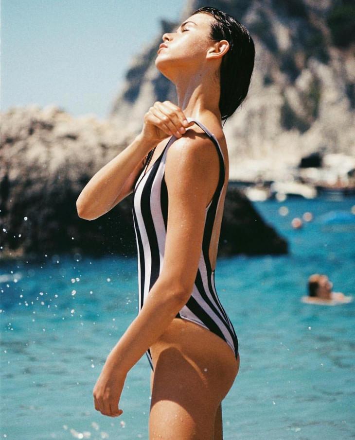спортивный купальник сдельный