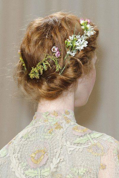 косы на свадьбу на средние волосы