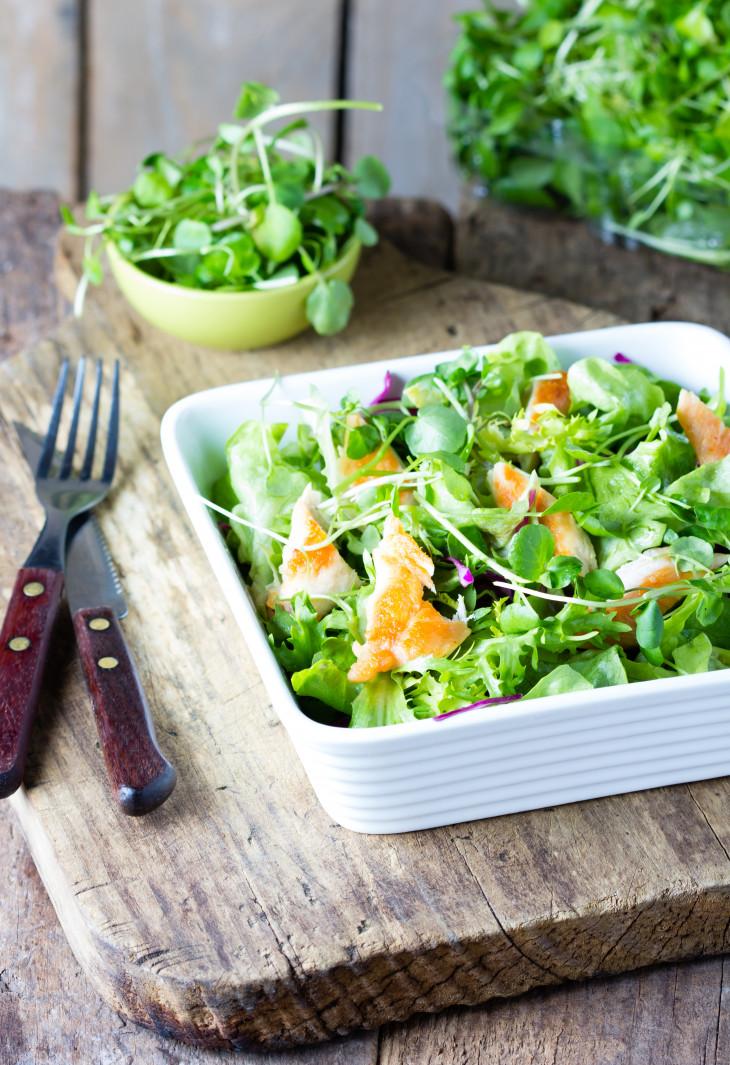 блюда из огурцов - салат с рукколой