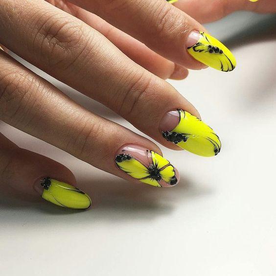 дизайн ногтей с бабочками 3
