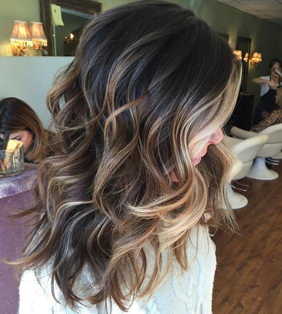 стильное мелирование каштановых волос