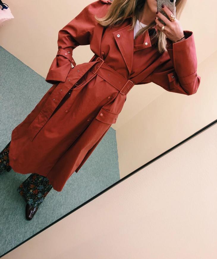 красное пальто на осень 2018