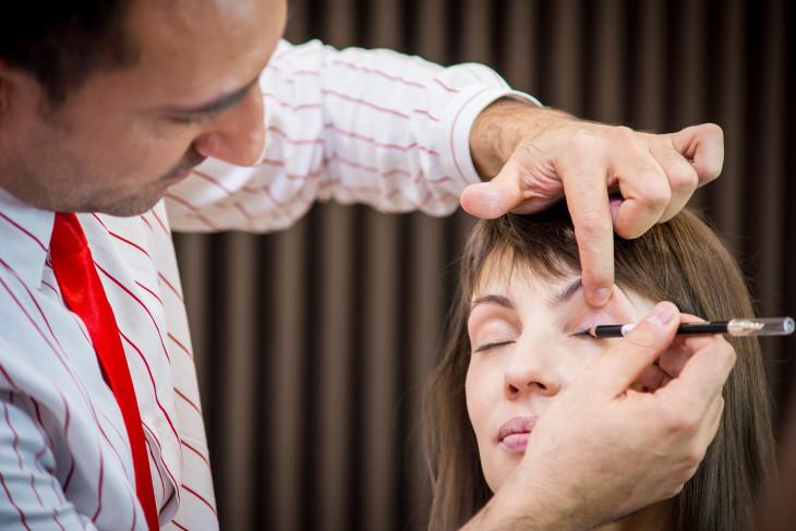 Симоне Коломбо макияж