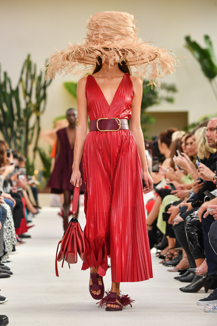 Неделя моды в Париже Valentino