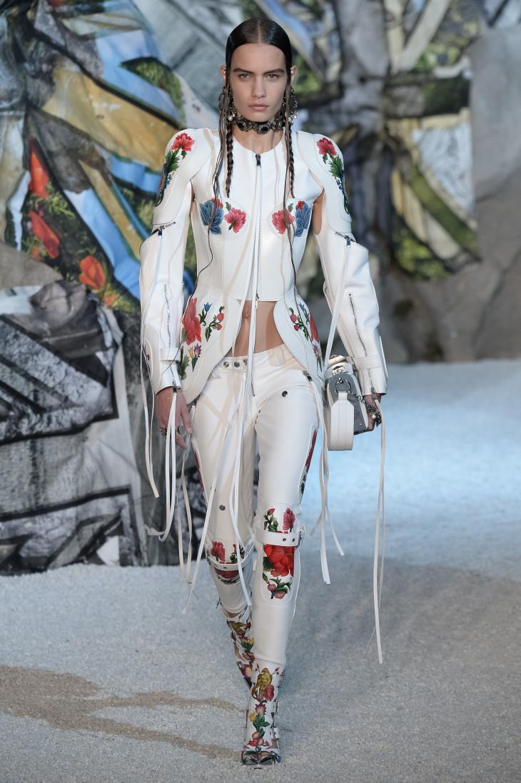 Alexander McQueen Неделя моды в Париже