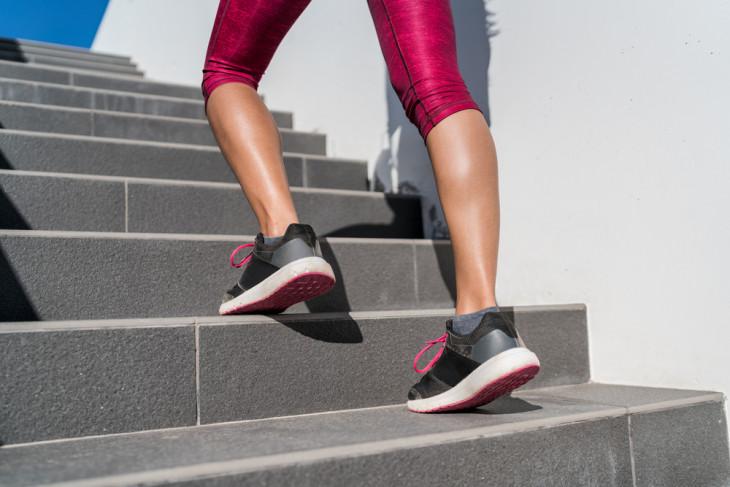 подъем по лестнице для икр