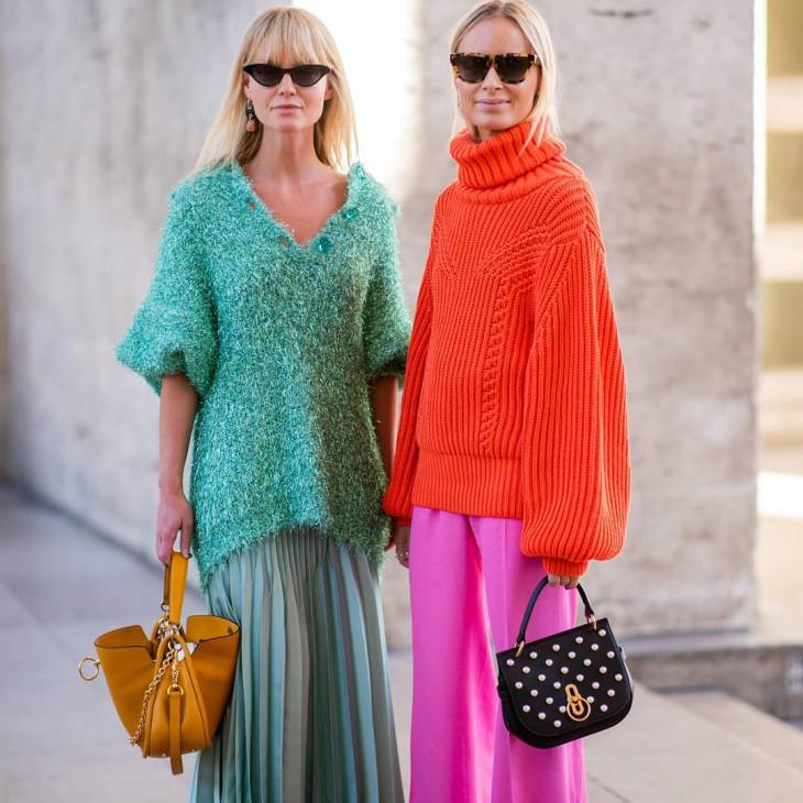 модные свитера яркие