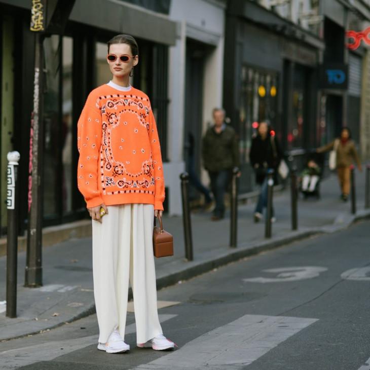 модные свитера с принтом