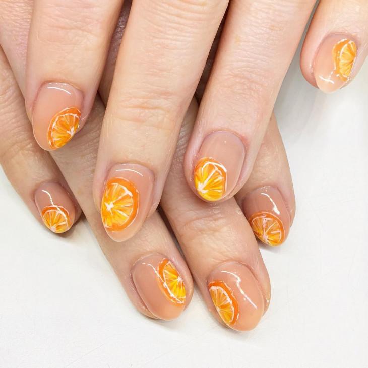 цветочный маникюр на короткие ногти