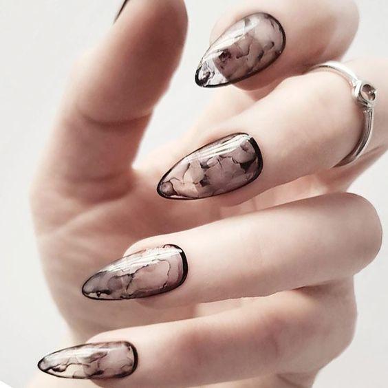 осенний дизайн ногтей балерина 1