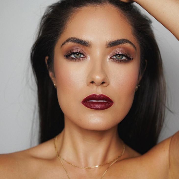 макияж с винной помадой