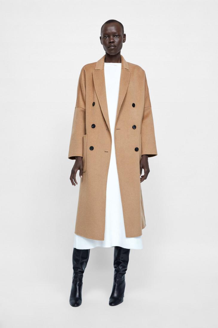 осеннее пальто zara песочного цвета