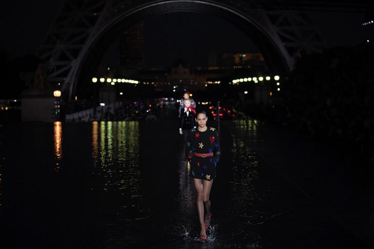 показ Yves Saint Laurent