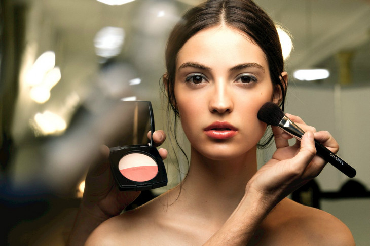 контуринг - антитренд в макияже