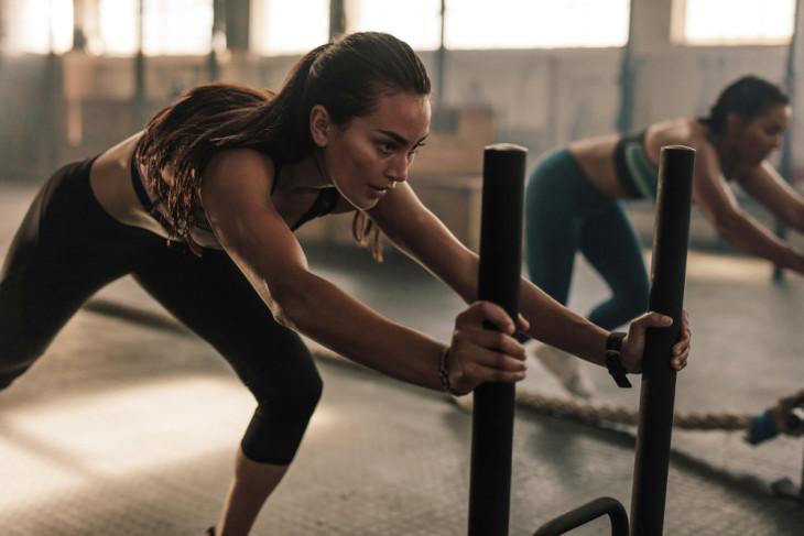 куговая тренировка для девушек