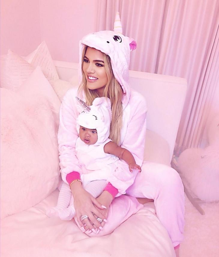 Хлое Кардашьян с дочерью