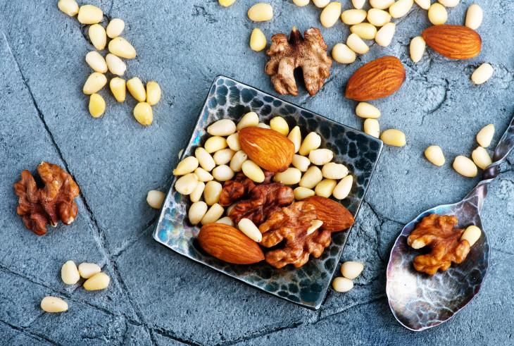 орехи зимой