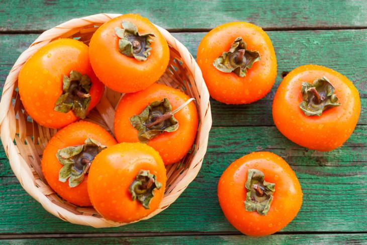 полезные продукты зимой хурма
