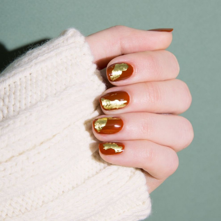красивый оранжевый дизайн ногтей